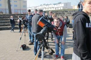 Direkte Beobachtung mit Teleskopen: v.r.n.l: C8 (Schulteleskop), C5, 4,5 Zoll Newton